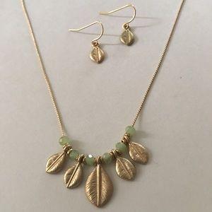 Minimalist mint green beaded leaf necklace set NWT